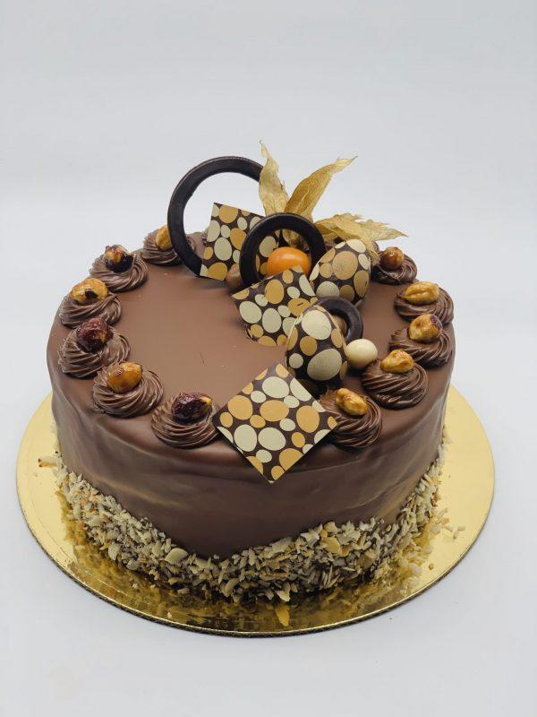 """""""Lazdynas"""" - tortas su riešutais"""