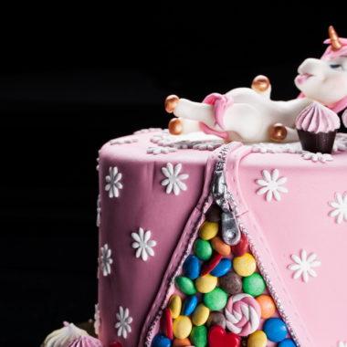 "Vaikiškas tortas ""Sotus vienaragis"""