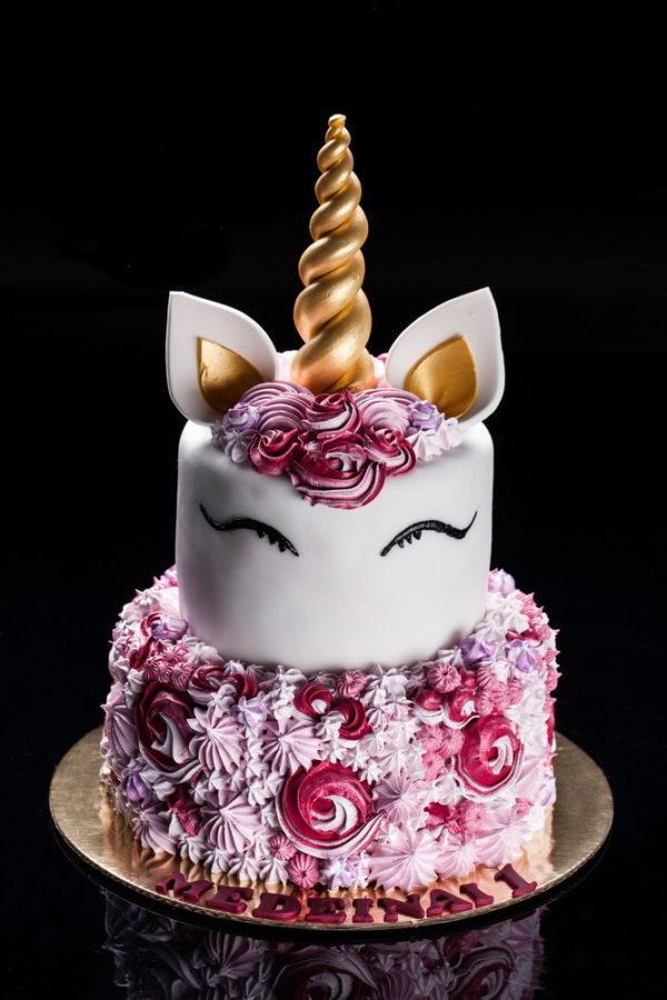 2 aukštų vienaragio tortas