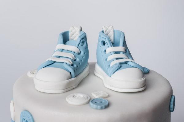 Dviejų aukštų tortas su kedukais