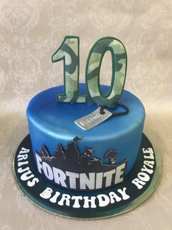 """Vaikiškas tortas """"Fortnite 2"""""""