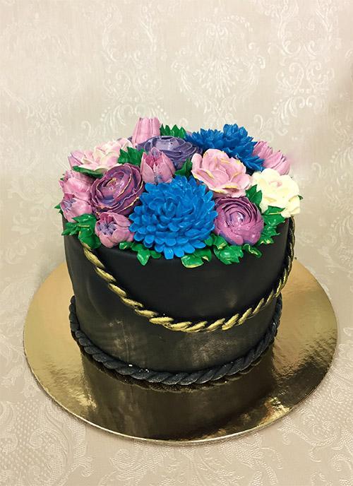 """Tortas """"Gėlių krepšelis"""""""