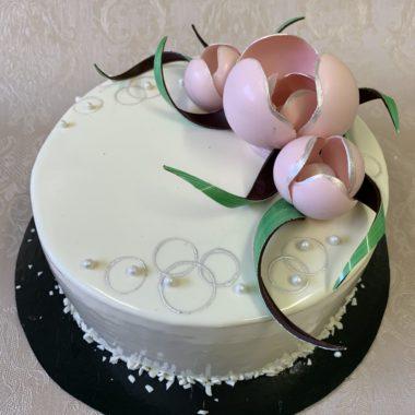 Tortas su šokoladinėm tulpėm