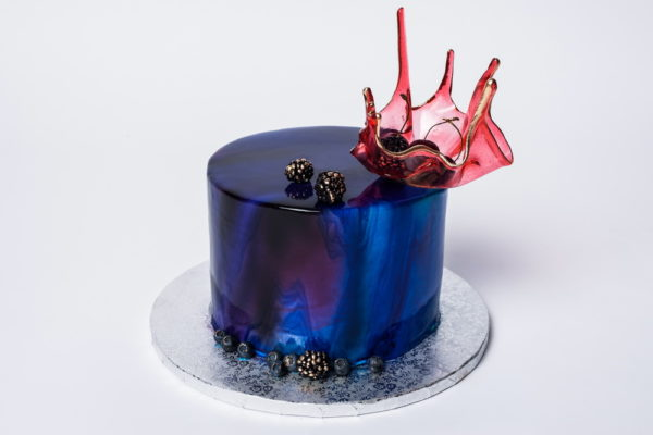 """Tortas """"Mėlynas su karūna"""""""