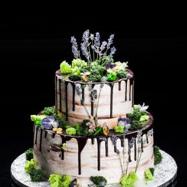 2 aukštų tortas su levandomis