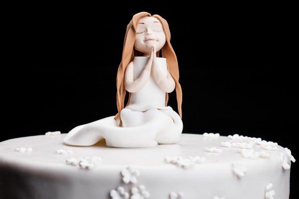 Krikštynų tortas su mergaite