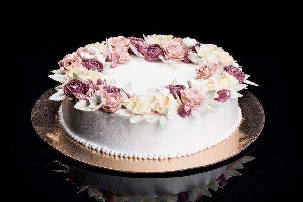 """Tortas """"Gėlių vainikas"""""""
