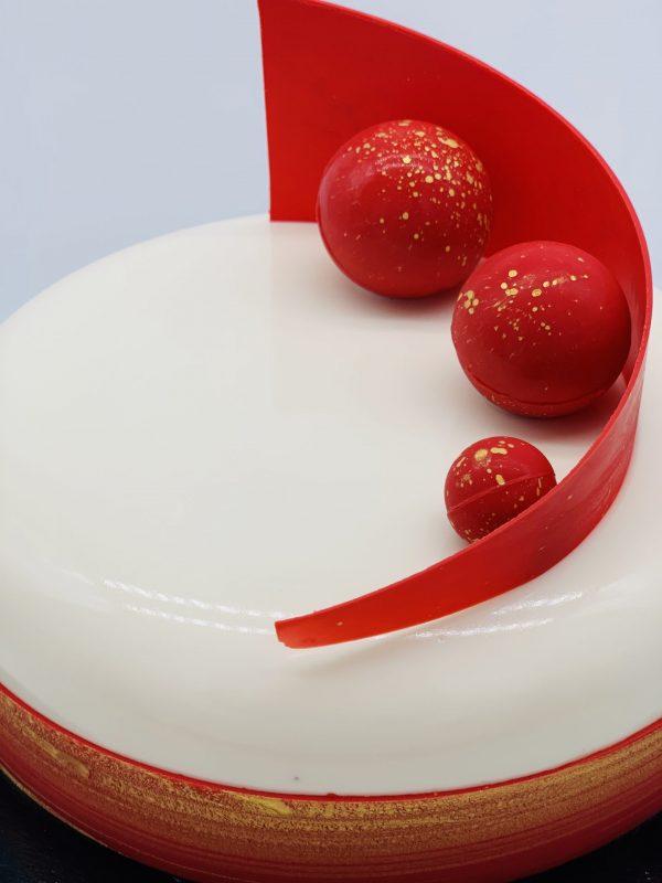 """Šventinis """"Pasiflorų"""" tortas"""