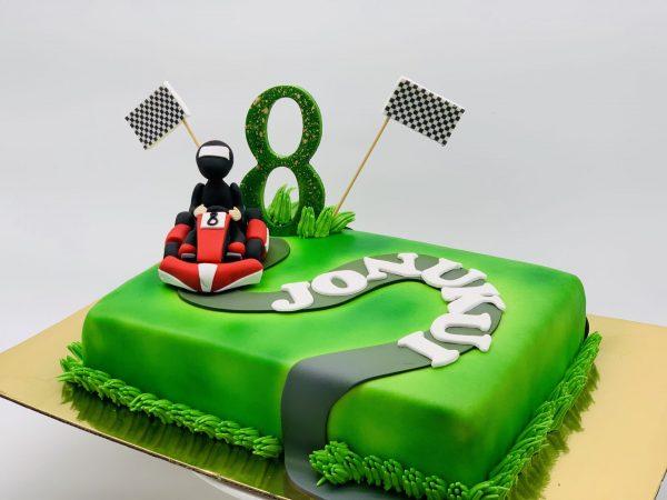 Vaikiškas tortas su kartingu