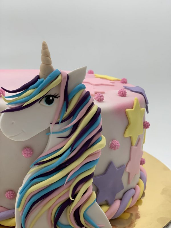 """Vaikiškas tortas """"Vienaragio siluetas"""""""