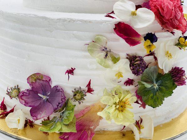 """Tortas """"Gėlių šleifas"""""""