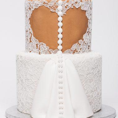 """Tortas """"Jaunosios suknelė"""""""
