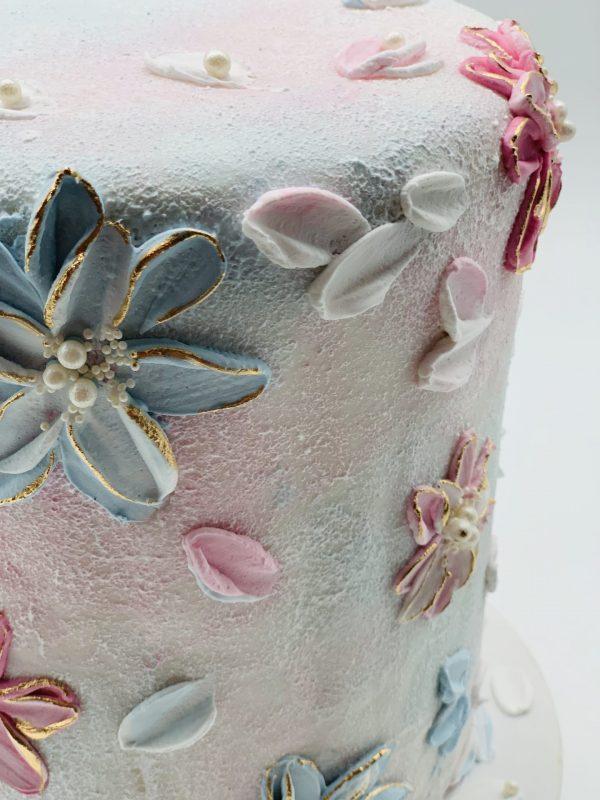 """Tortas """"Su kreminėmis gėlėmis"""""""