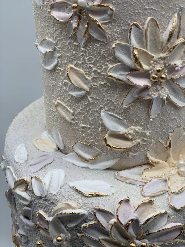 2a tortas su kreminėmis gėlėmis