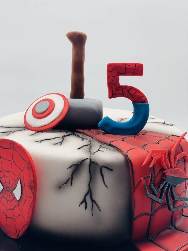 """Vaikiškas tortas """"Žmogus voras"""""""