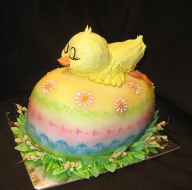"""Velykinis tortas """"Viščiukas ant kiaušinio"""""""