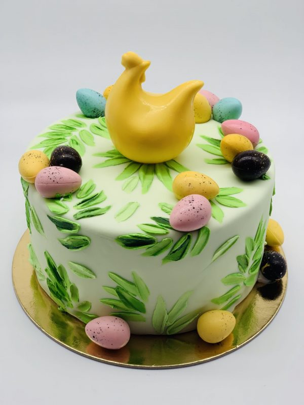 Velykinis tortas višta su kiaušiniais