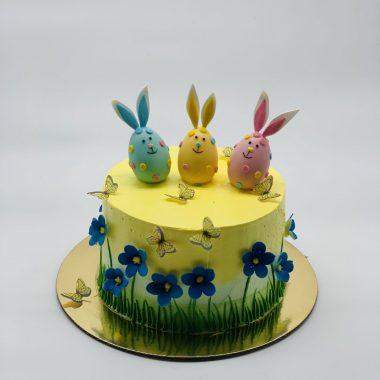Velykinis tortas su trim kiaušiniais ir žibutėm