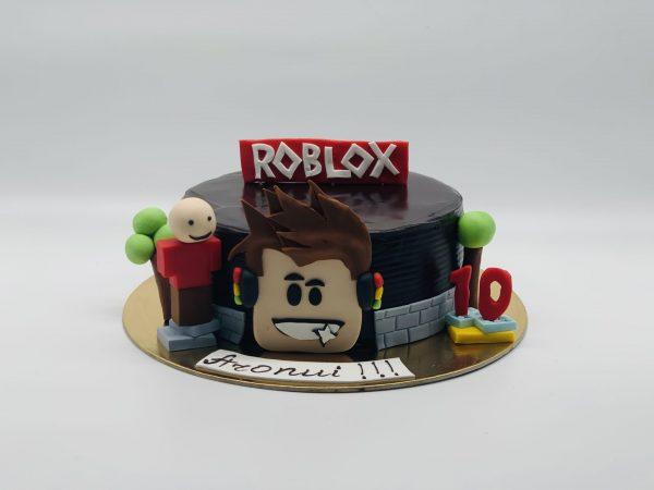 """Vaikiškas tortas """"Roblox"""""""