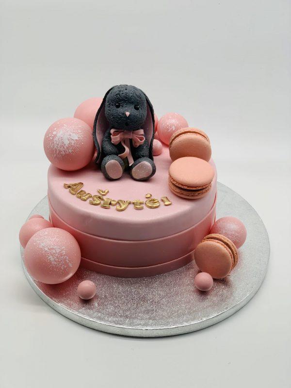 Rožinis tortas su zuikučiu
