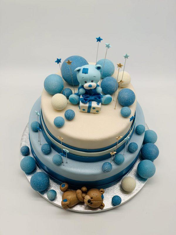 Krikštynų tortas su mėlynais burbulais