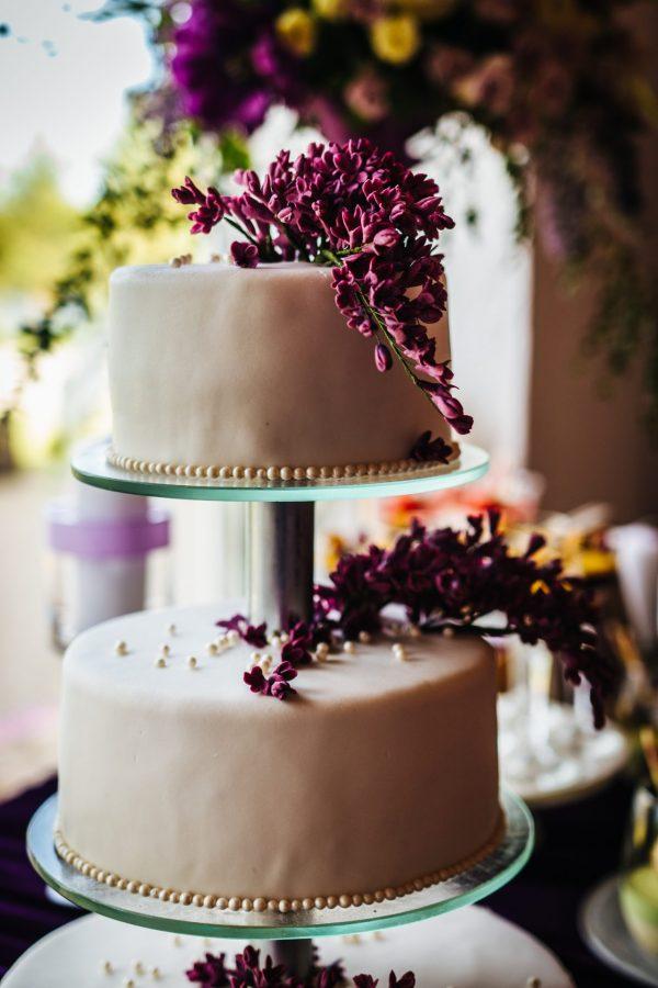 3 aukštų tortas su alyvomis