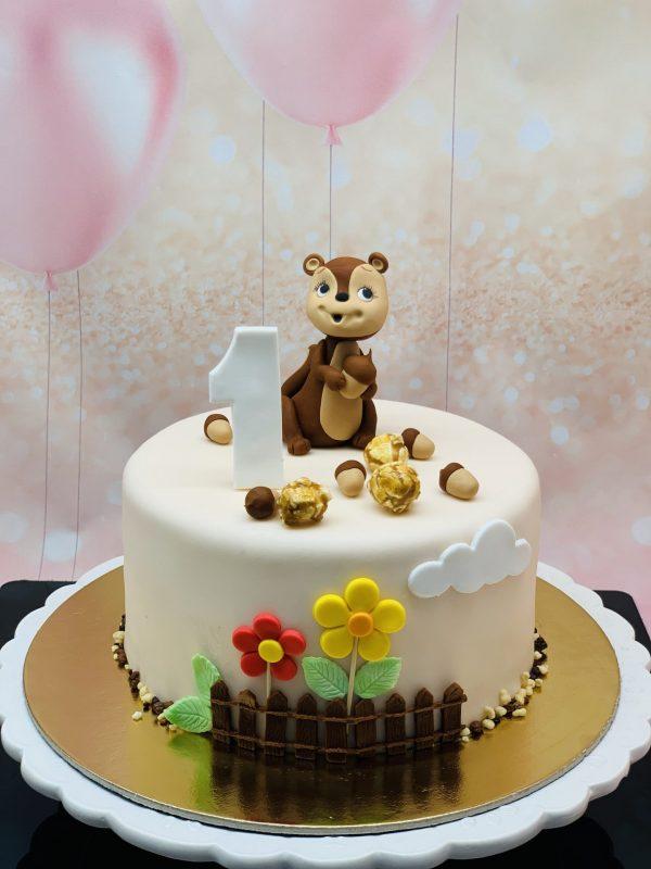 Vaikiškas tortas su voveryte