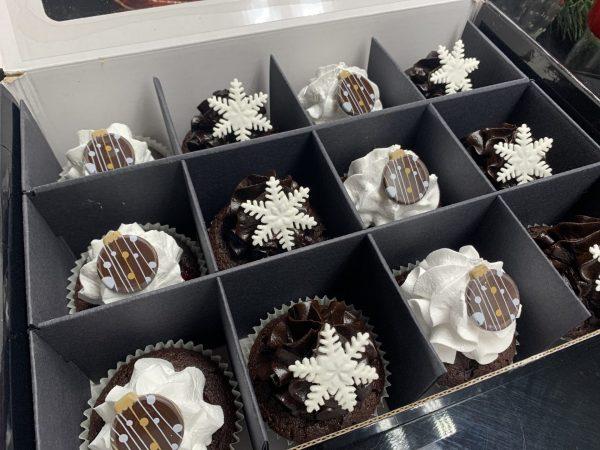 Kalėdinė keksiukų dėžutė juoda