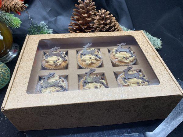Kalėdinė keksiukų dėžutė rusva
