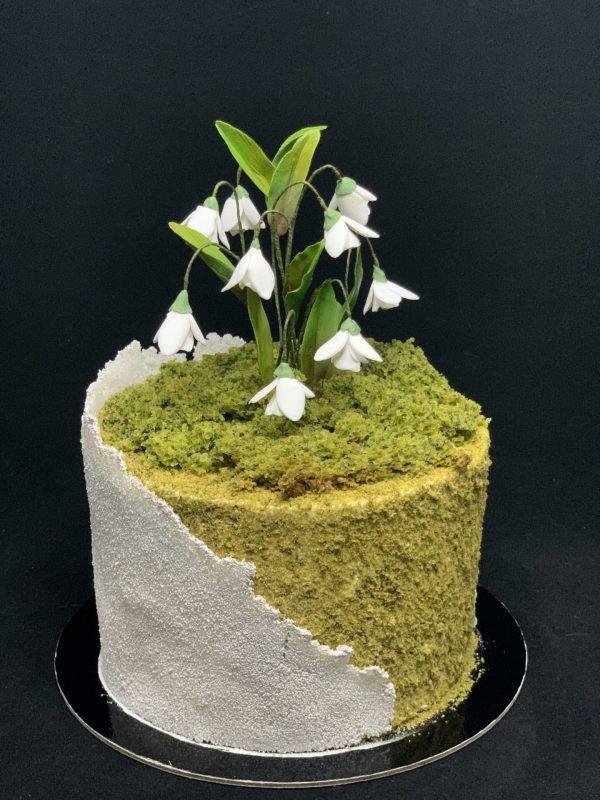 Jubiliejinis tortas su snieguolėmis