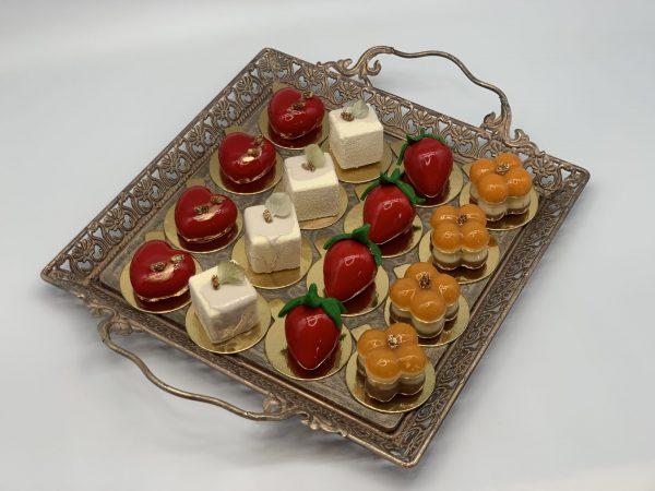 Įvairūs mini pyrageliai
