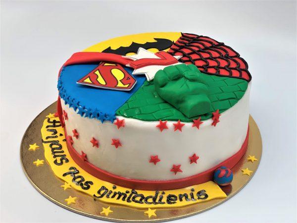 Vaikiškas superherojų tortas